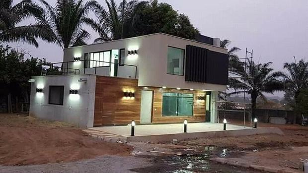 Savvy Entrepreneur Transforms Used Shipping Containers To Affordable, Luxurious  Homes